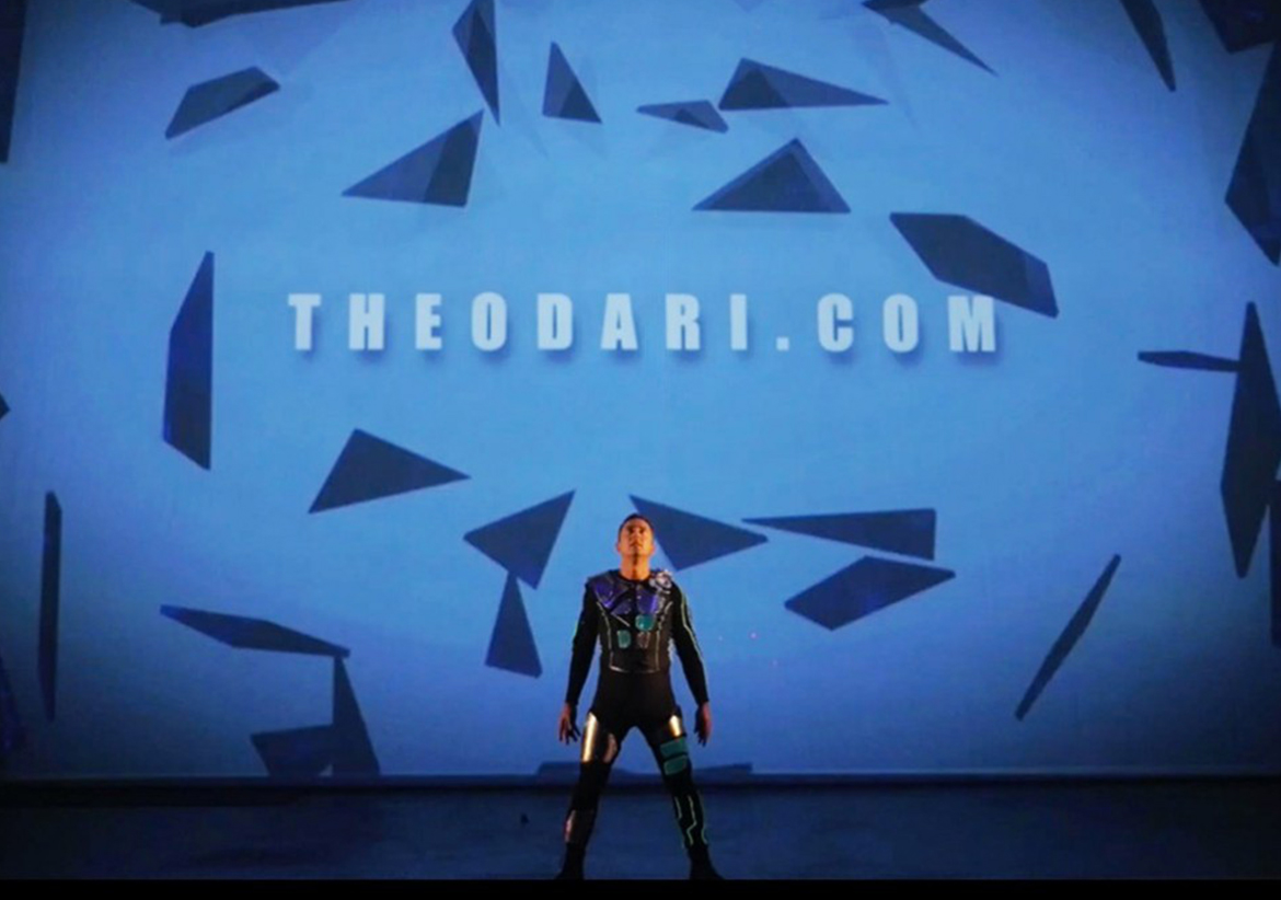 laserman-experience-theo-dari-logo-reveal-video